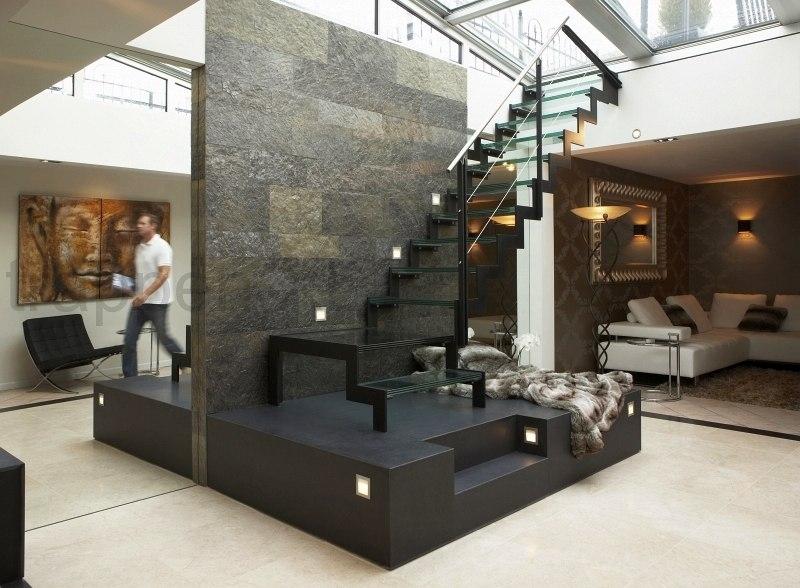 Glazen trappen sfeer in elke gewenste setting - Moderne designtrappen ...