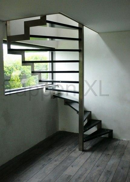 Spiltrappen een trap met een uniek stukje vormgeving for Goedkope spiltrap