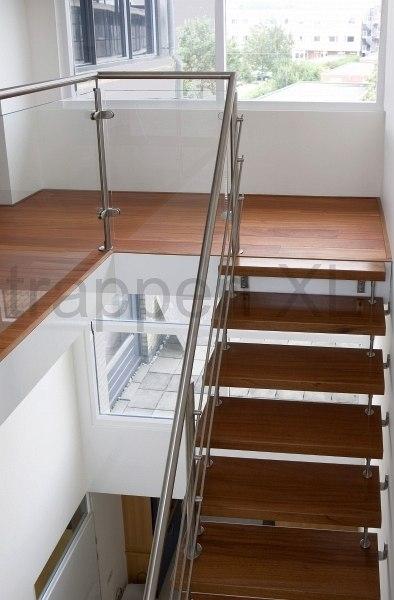 Wat kost een trap op maat zwevende trappen of rechte for Wat kost een houten trap