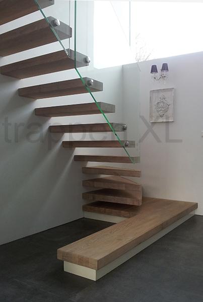 Zwevende trappen minimalistisch en een echte eyecatcher - Versier een trap ...