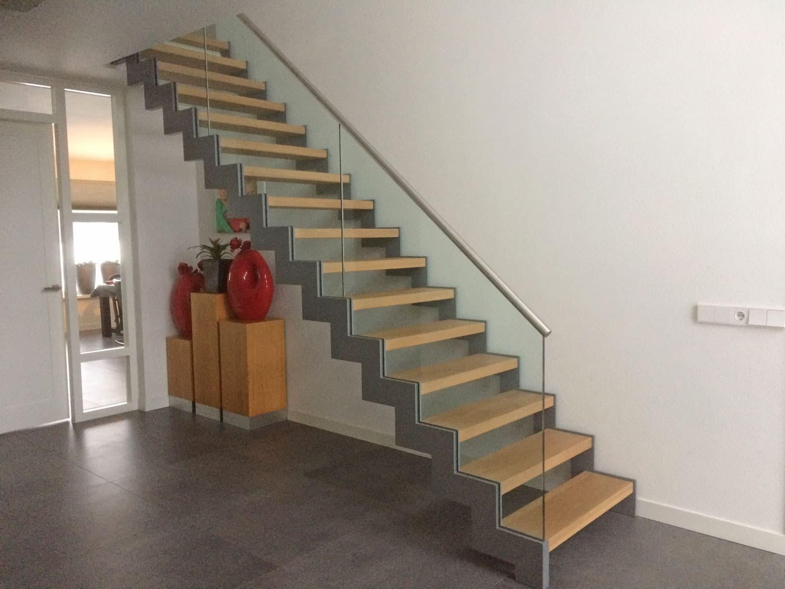 De verschillende soorten traptreden design trappen op maat - Moderne trap kwartslag ...