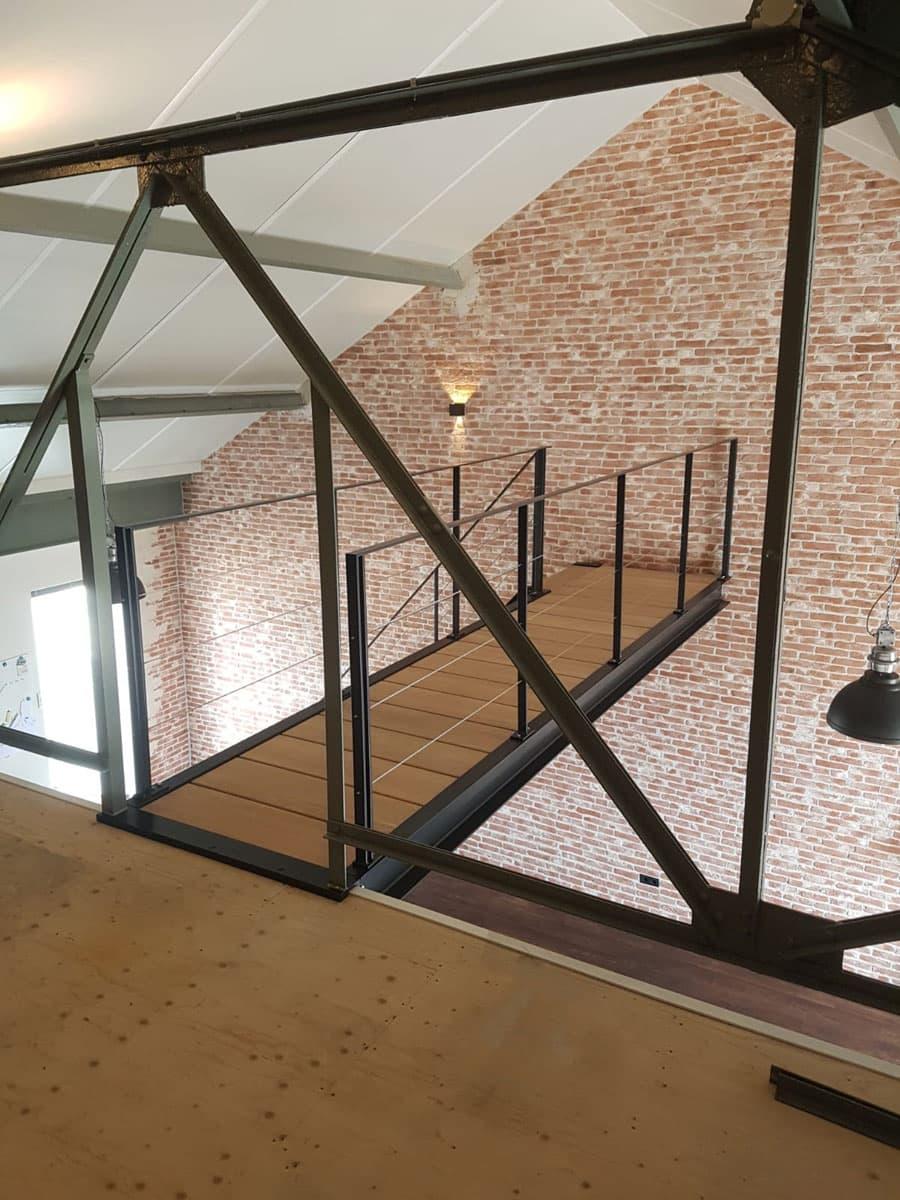 rt53b rechte trap met loopbrug