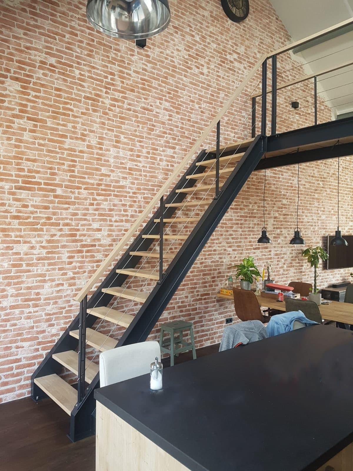 rt53d rechte trap met loopbrug
