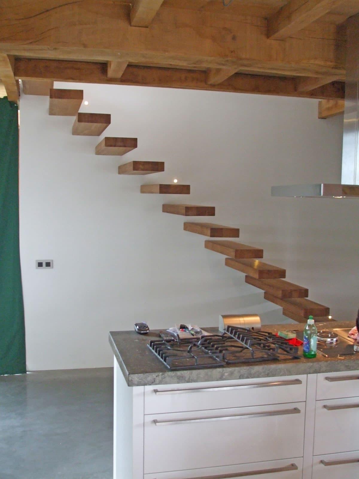 zt10a zwevende trap