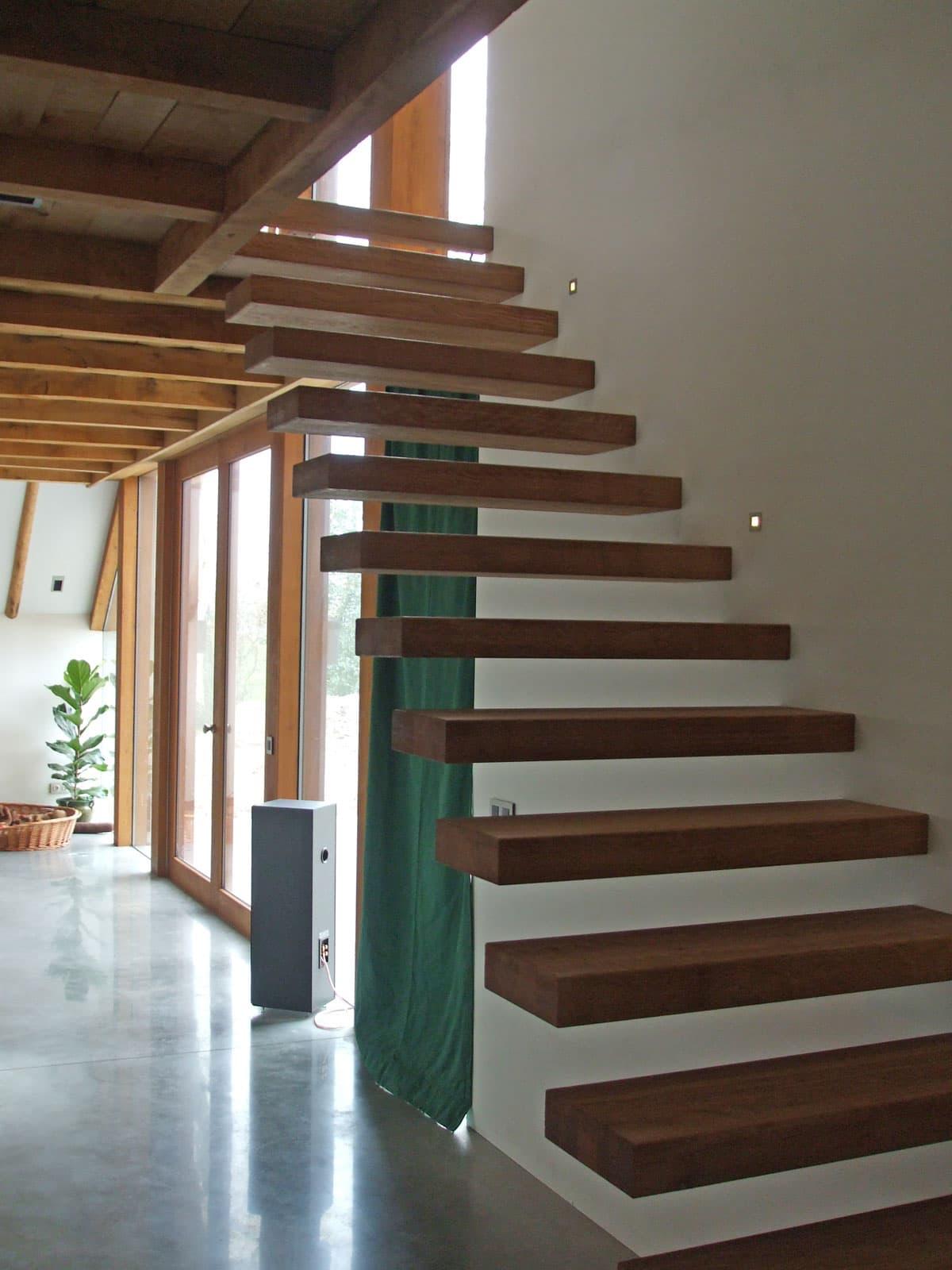zt10b zwevende trap met houten treden