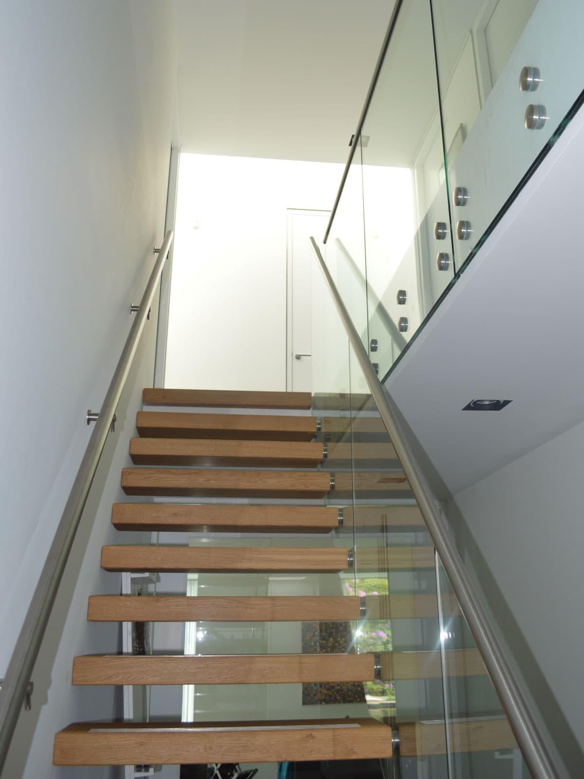 zt11b zwevende trap glazen balustade