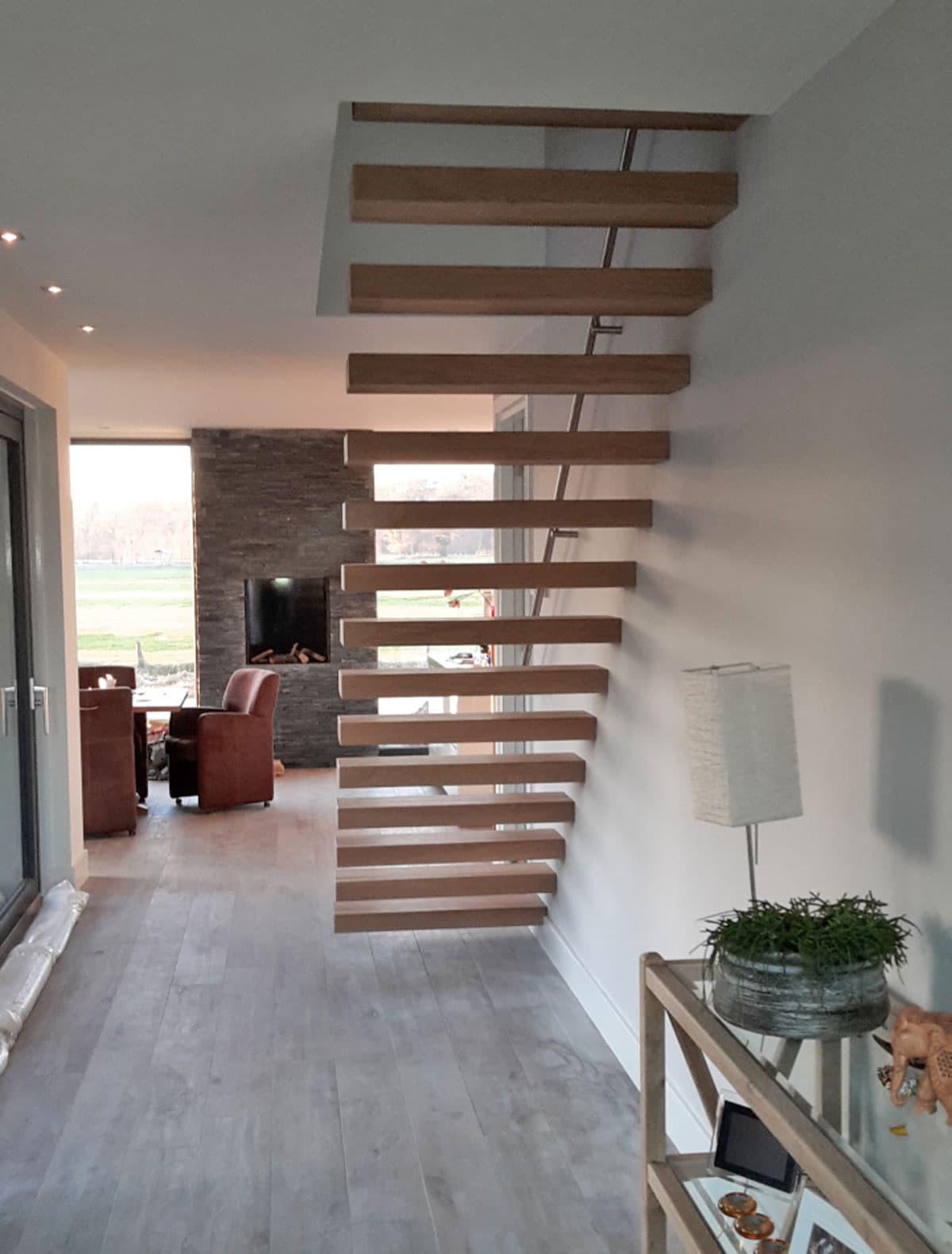 zt15b zwevende trap