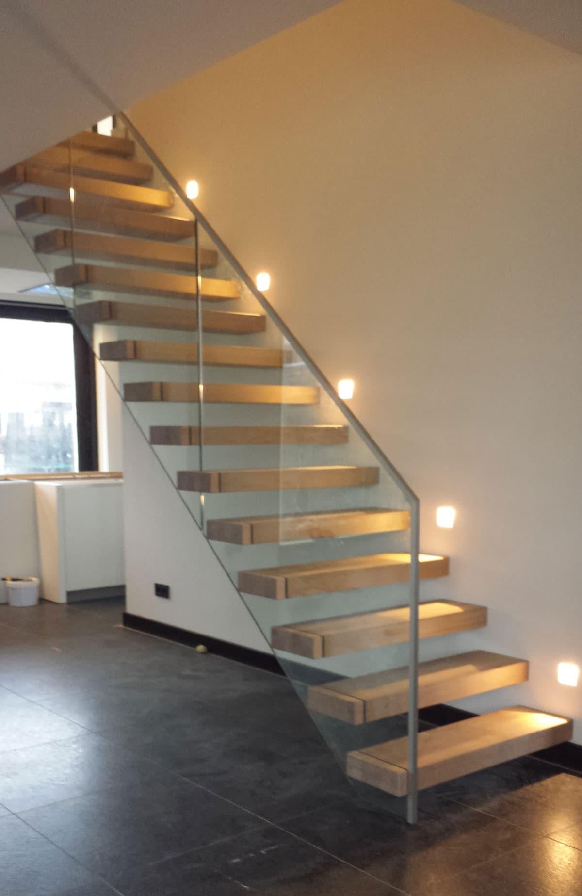 zt17a zwevende trap