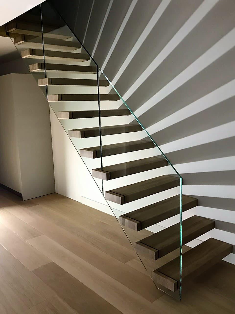 zt20b zwevende trap met lichteffect