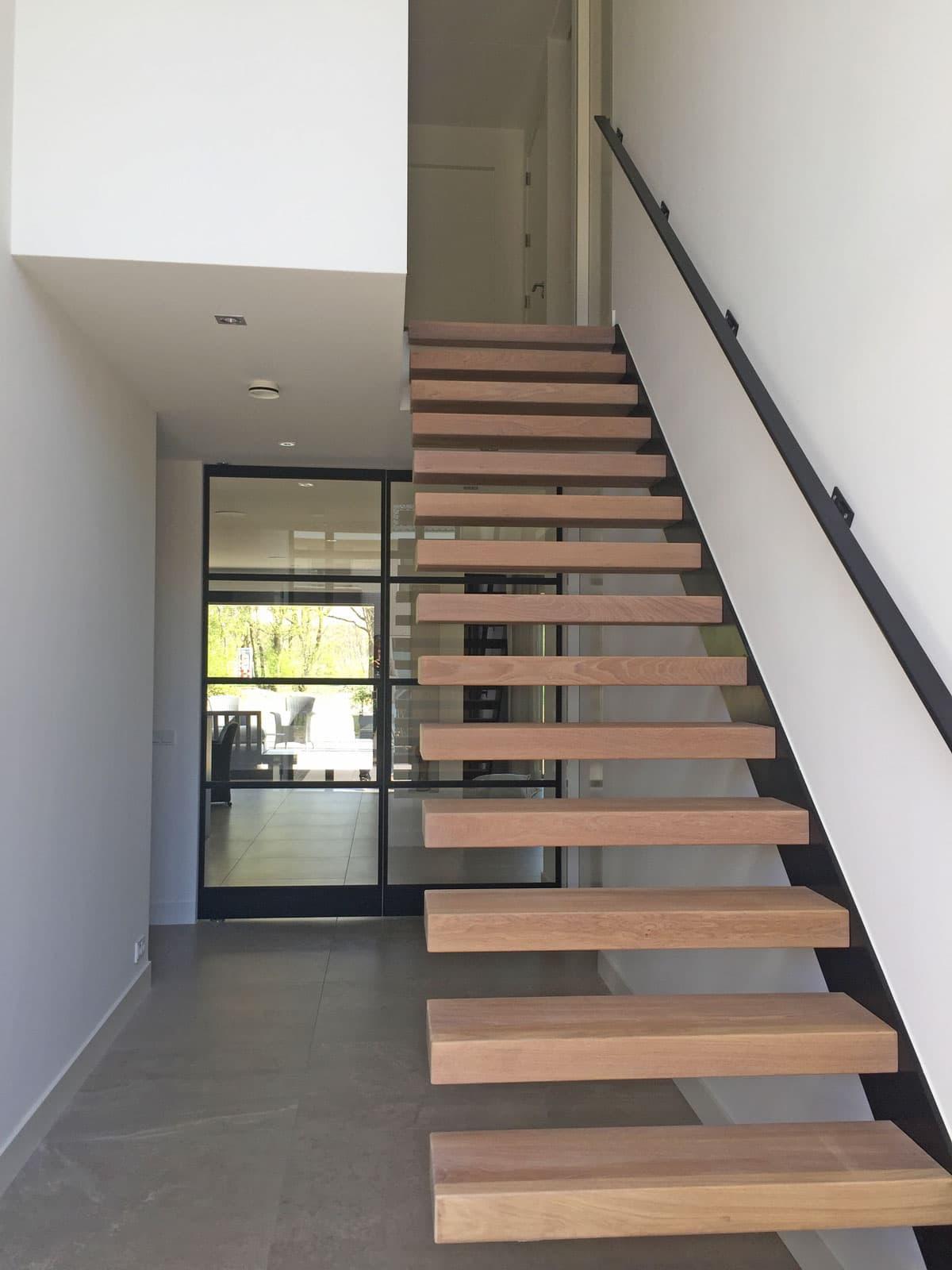 zt25a zwevende trap