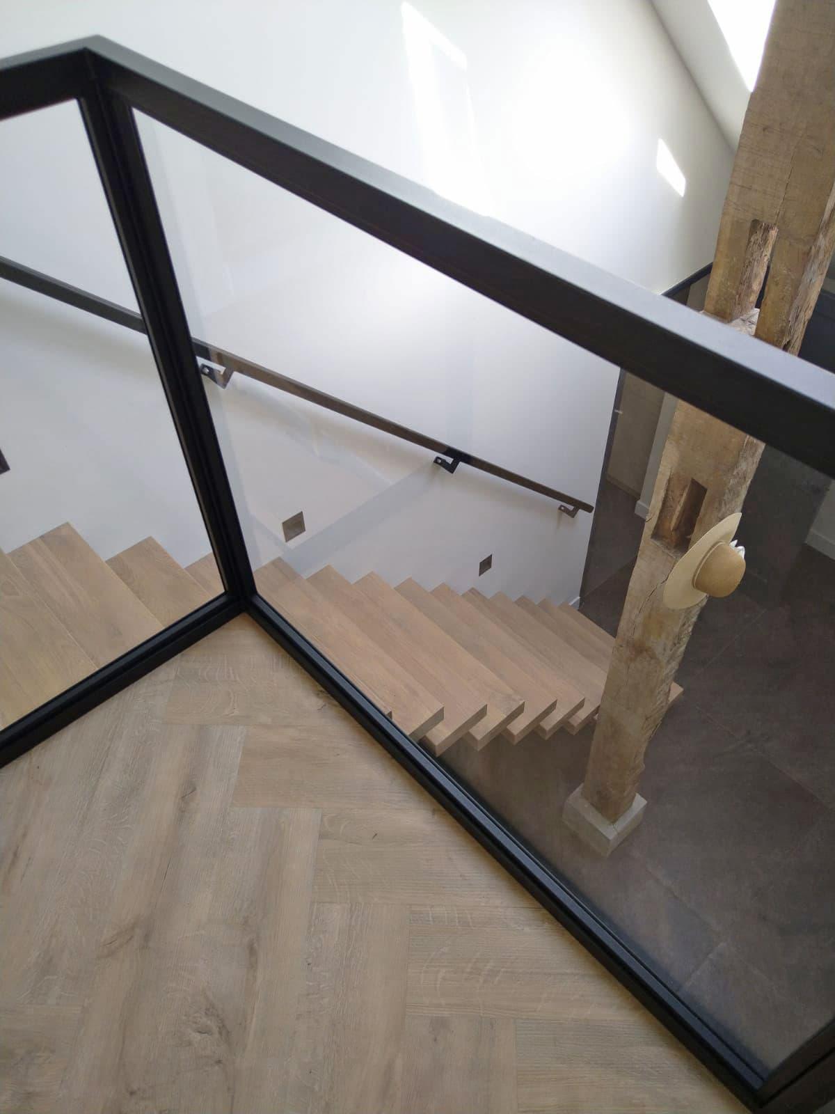 zt27c zwevende trap