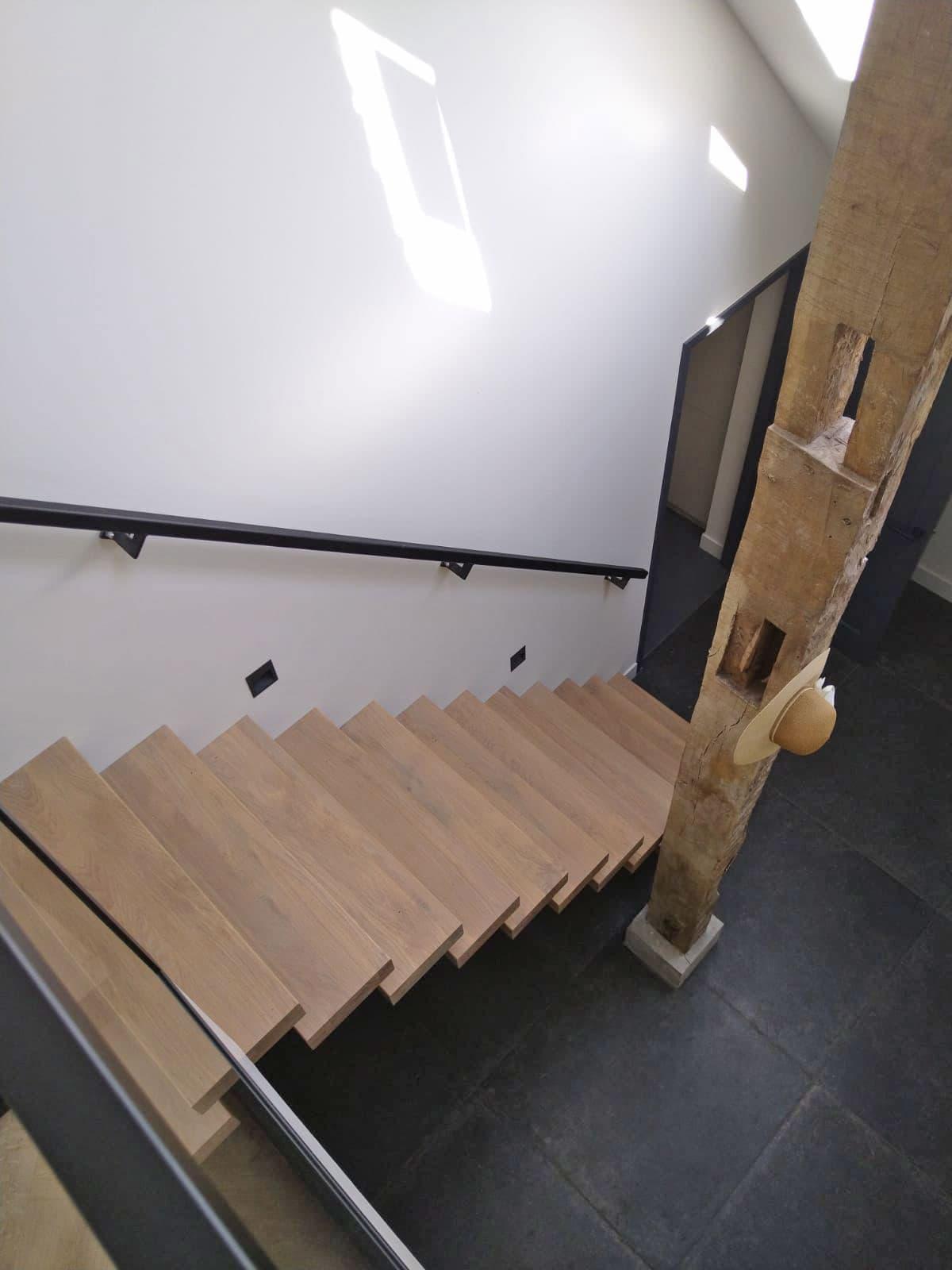 zt27d zwevende trap